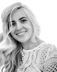 Anais Dubois, SEO Writer, Project Manager, and Web Developer | WiseIntro Portfolio