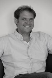 Ahron Glazer, CEO & Co-Founder at Blue Thread Marketing | WiseIntro Portfolio